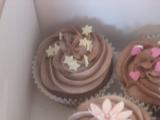 Flower chocolate cupcakes