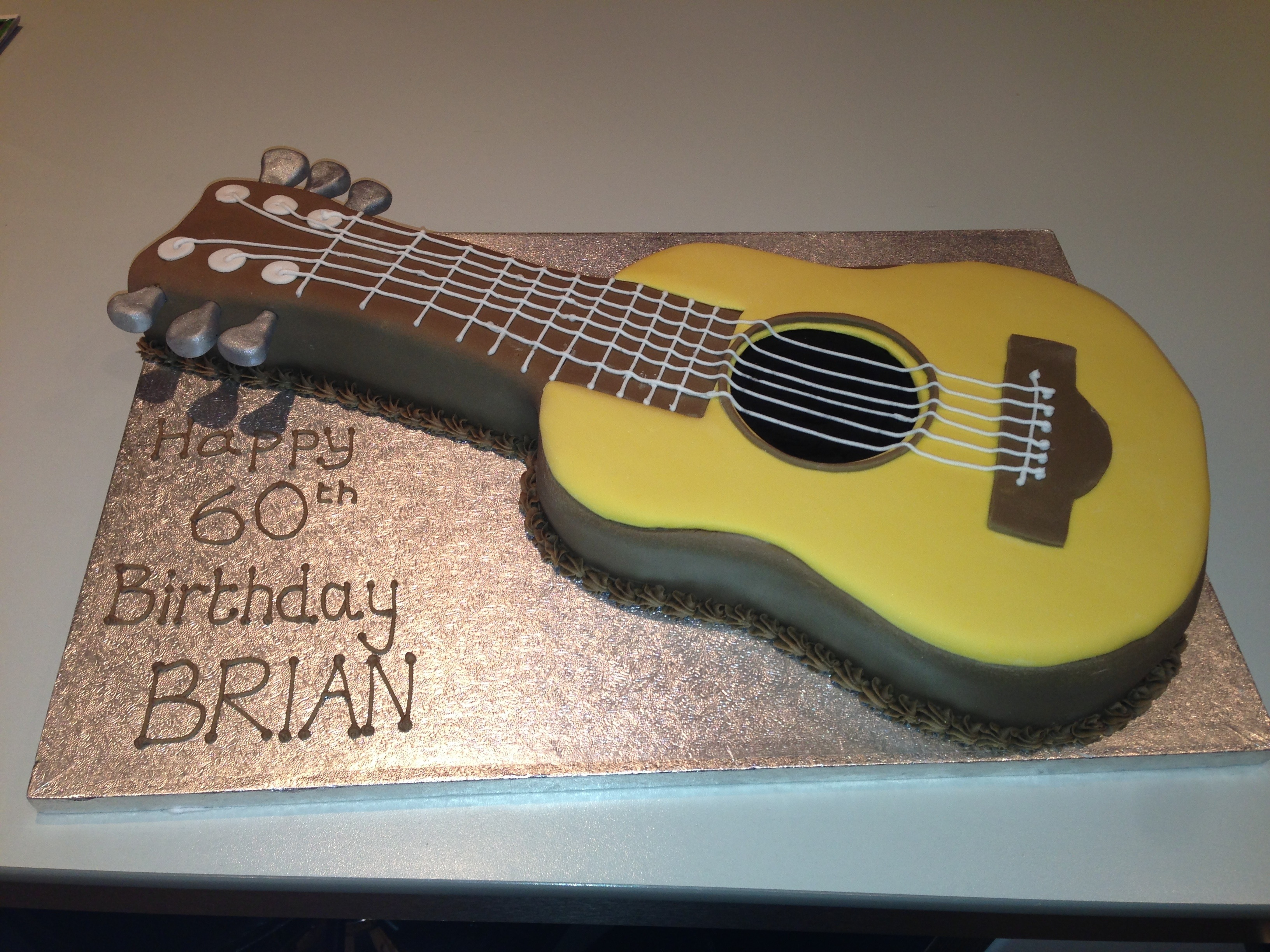 Images Of Guitar Cake : Acoustic guitar cake   Cakes by Melissa